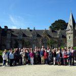le groupe devant le nouveau château restauré parAlfred KLOS